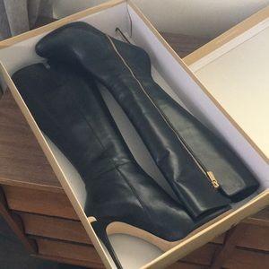 MICHAEL Michael Kors Clara Boot. Size 8.